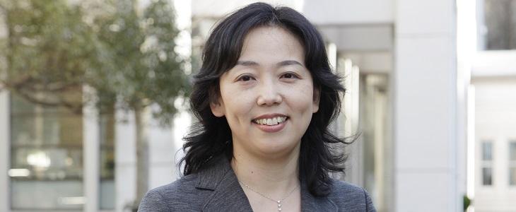看護学部 学科長 坂梨薫 教授